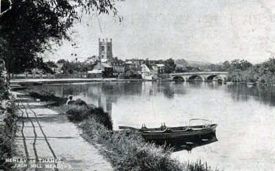 A view of   Henley Bridge   and   Saint Mary's Church  .